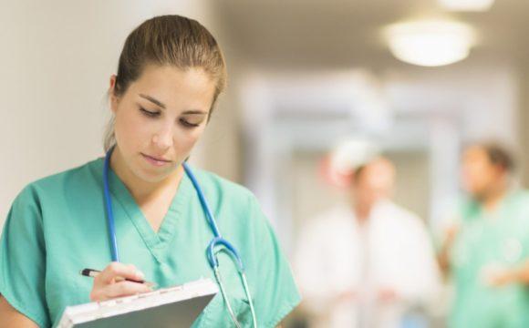 Alemania busca cubrir de forma «desesperada» 15.000 vacantes en Enfermería